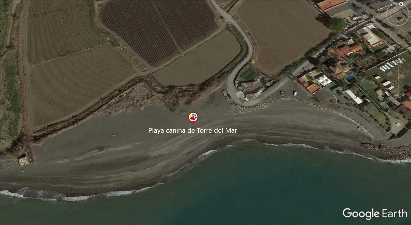 Vista aérea de la playa canina de Torre del Mar - Málaga