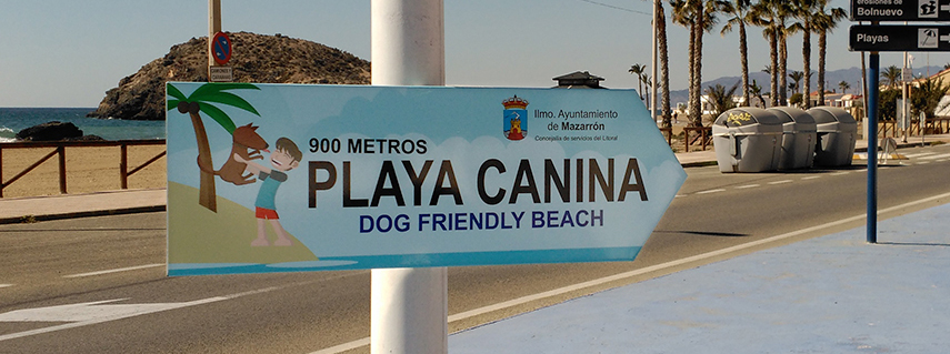 Señal idicativa de playa canina